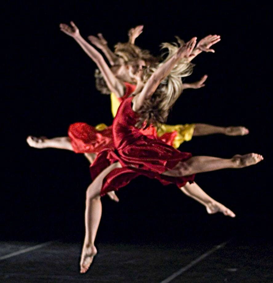 a brief history of contemporary ballet What is contemporary dance search the  history & culture  lyrical and classical ballet contemporary dancers strive to connect the mind and the body through.