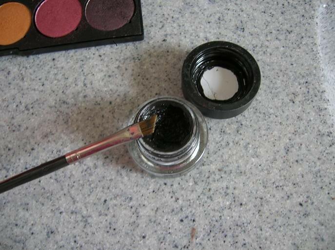 75. appliquez le fluidline blacktrack au pinceau 266