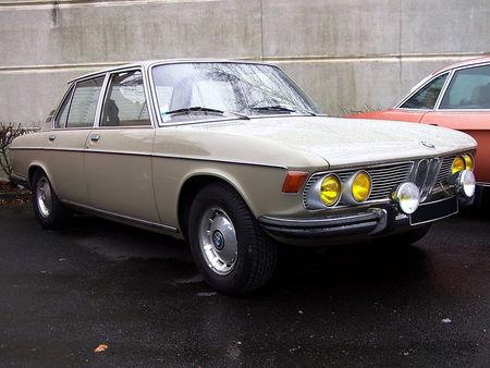 BMW_2500_4_portes_automatic__1_