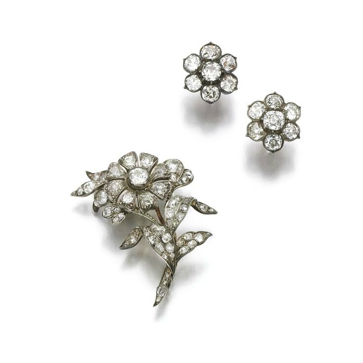 Diamond brooch and pair of earrings, late 19th century