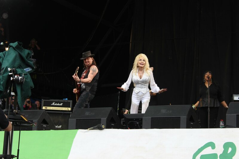 Glastonbury festival 2014 Pyramid stage Dolly Parton Richie Sambora Bon Jovi
