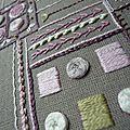 Boîte habillée de petites croix
