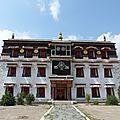 Le monastère de labrang avec plus de 7000 moines, gansu
