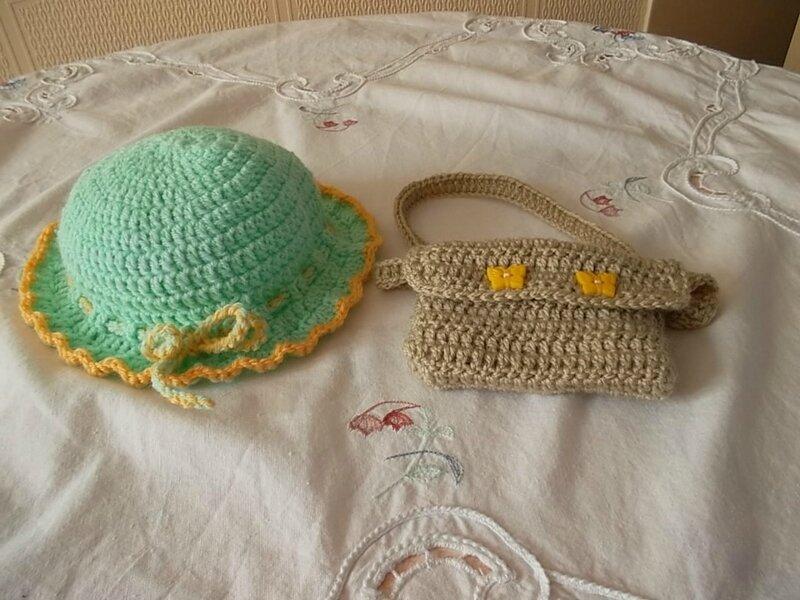 Le chapeau & la besace d'Angy ( Odile)