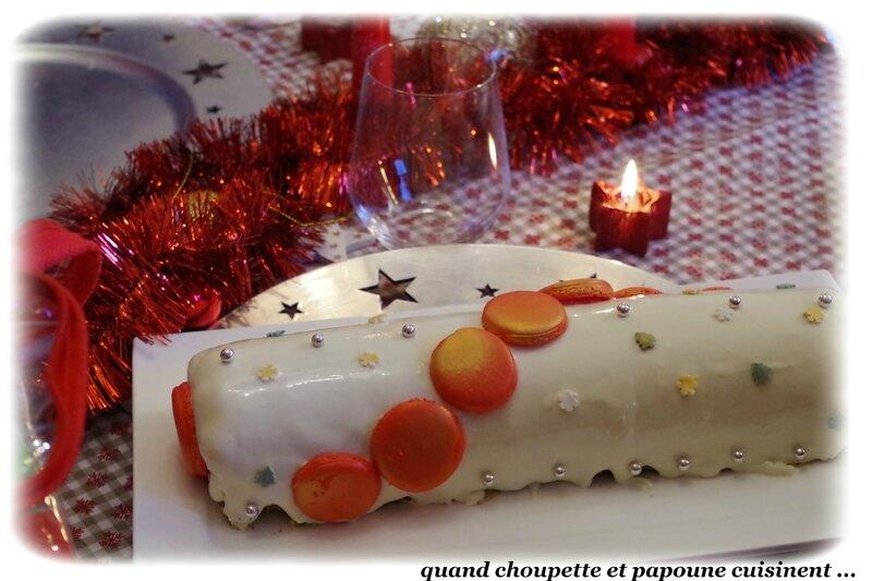 bûche vanille biscuit pistache et insert cerise-6903