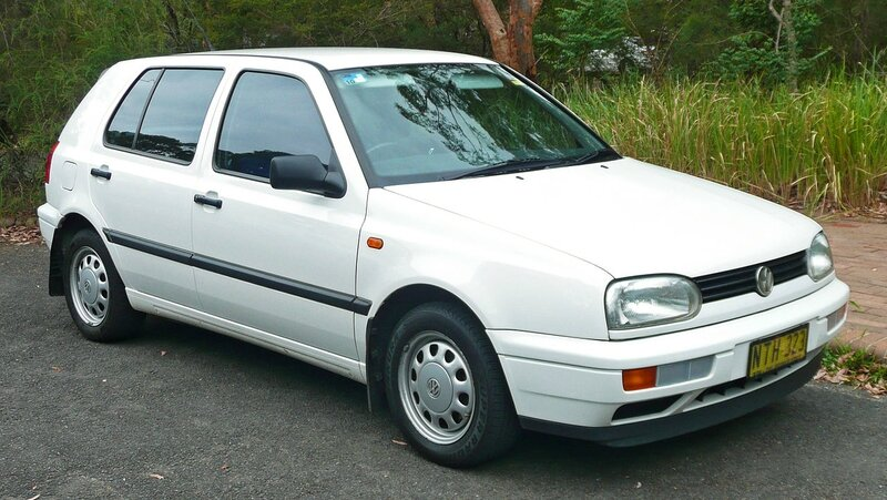 1280px-1996-1998_Volkswagen_Golf_(1H)_CL_5-door_hatchback_03