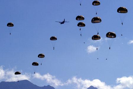 Largage_parachutistes