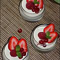 Verrines de mousse chocolat blanc amande et fruits rouges