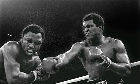 Muhammad-Ali-right-stuns--009