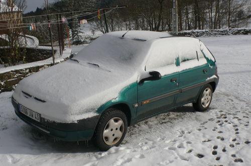 2008 11 23 Ma voiture sous la neige