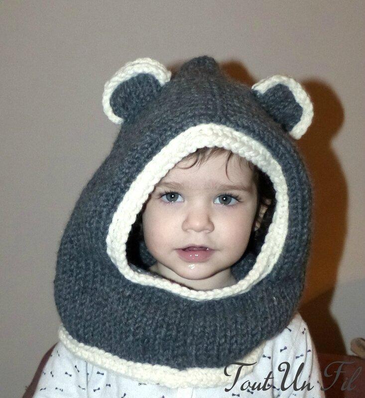 Capuche ourson gris tricot 01