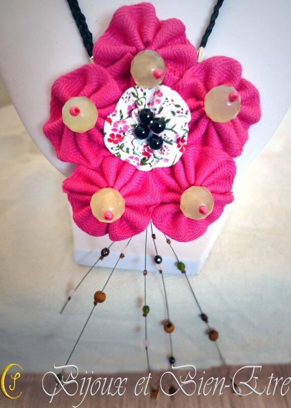 Collier Fleurs de Tissus 39€