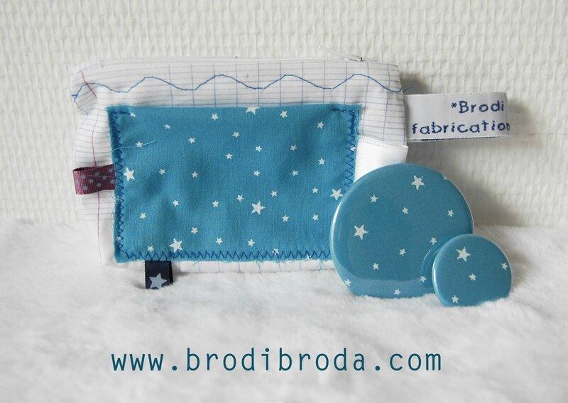 Brodi Broda-porte-monnaie prénom personnalisable-tissu étoiles turquoise2