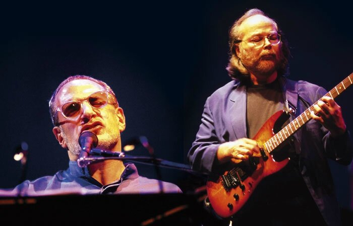 Le 19 mars 2001, Steely Dan fait son entrée officielle au Rock 'n' Roll Hall of Fame...