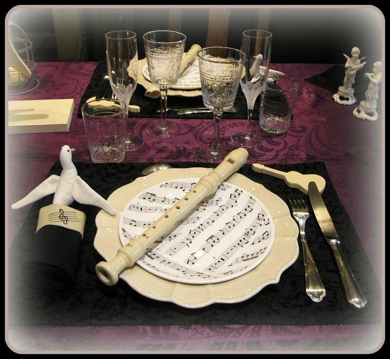 assiette couverts verres serviette