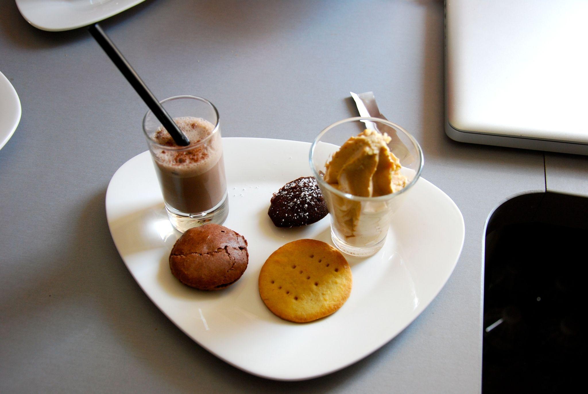 Assiette dessert gourmande fashion designs - Assiette rectangulaire pour cafe gourmand ...