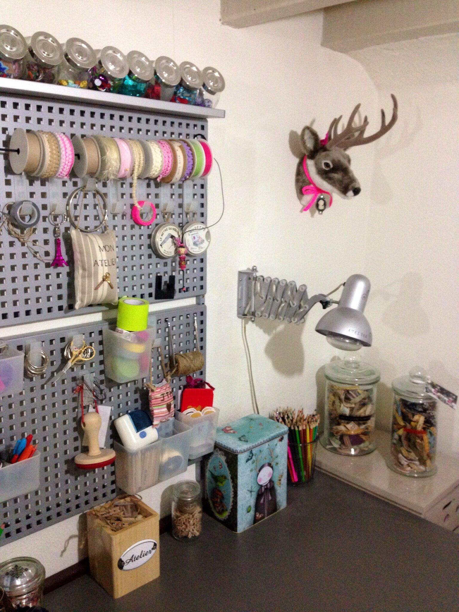 mon bureau avec encore des rangements petits pots ikea tte de cerf achet chez casa et customis rangement mural ikea il nexiste plus dommage cest - Rangement Muraux Ikea