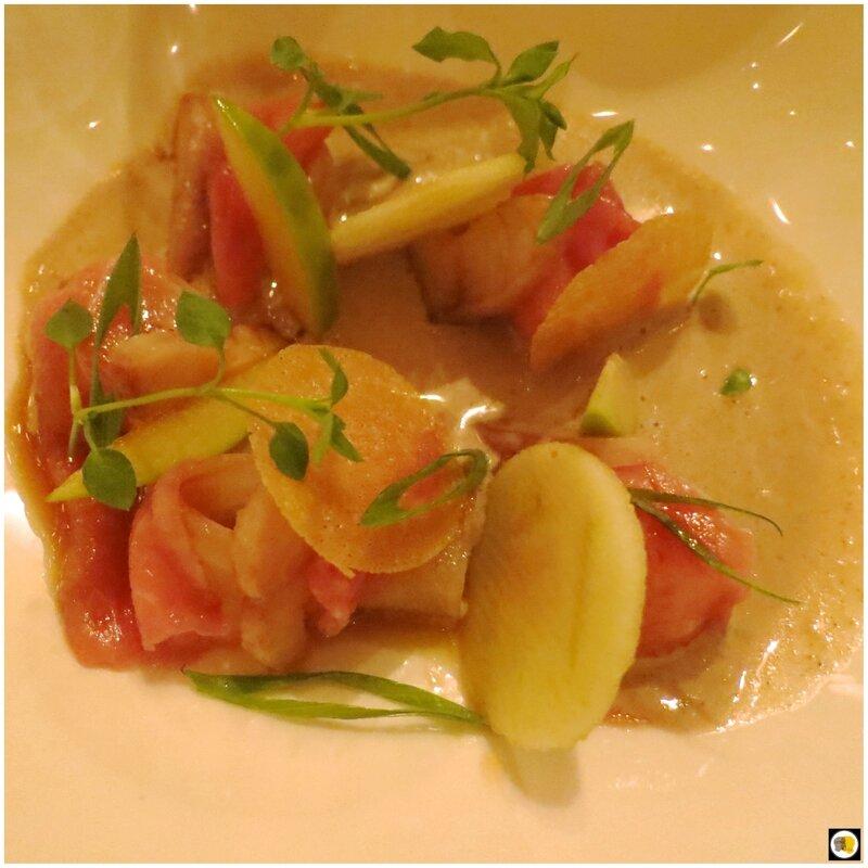 Anguille fumée et veau, bouillon crémeux raifort, massala (2)