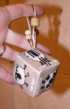 2009_02_moutons_cube_2