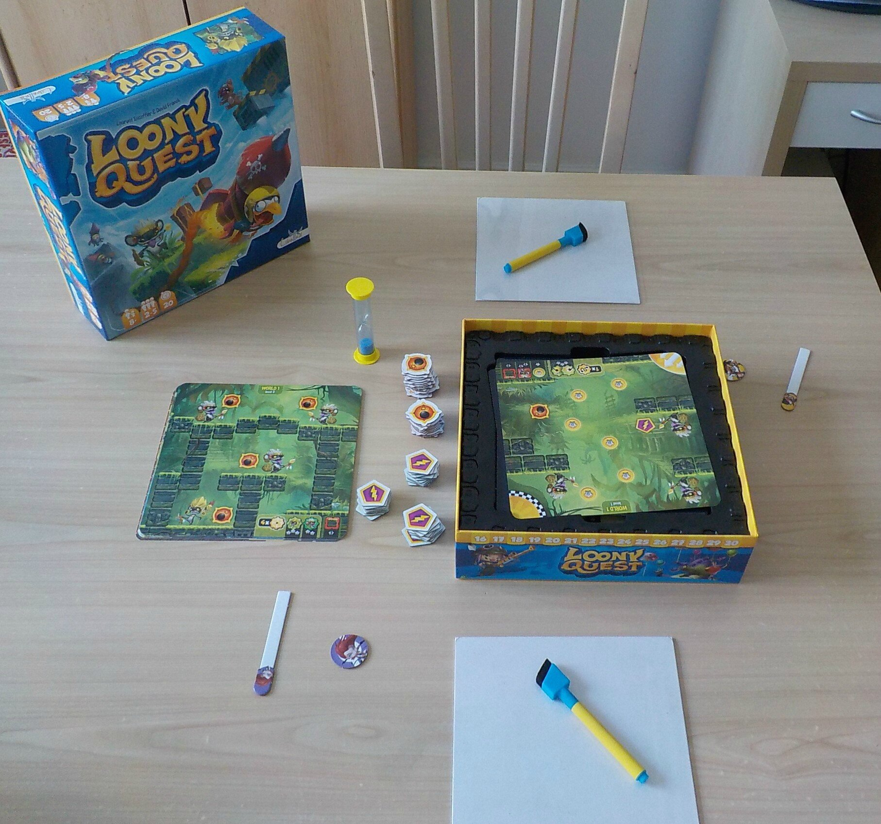 Loony quest. Indispensable..