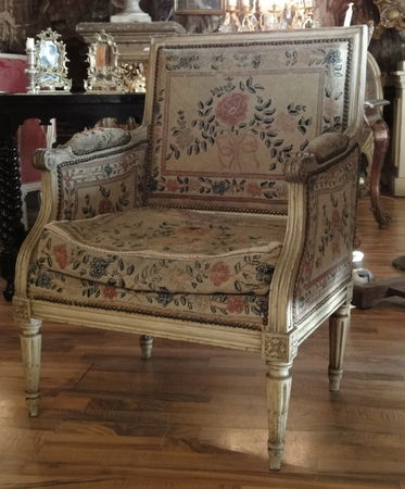 histoire du fauteuil louis xvi symbole du n oclassicisme regard d 39 antiquaire. Black Bedroom Furniture Sets. Home Design Ideas