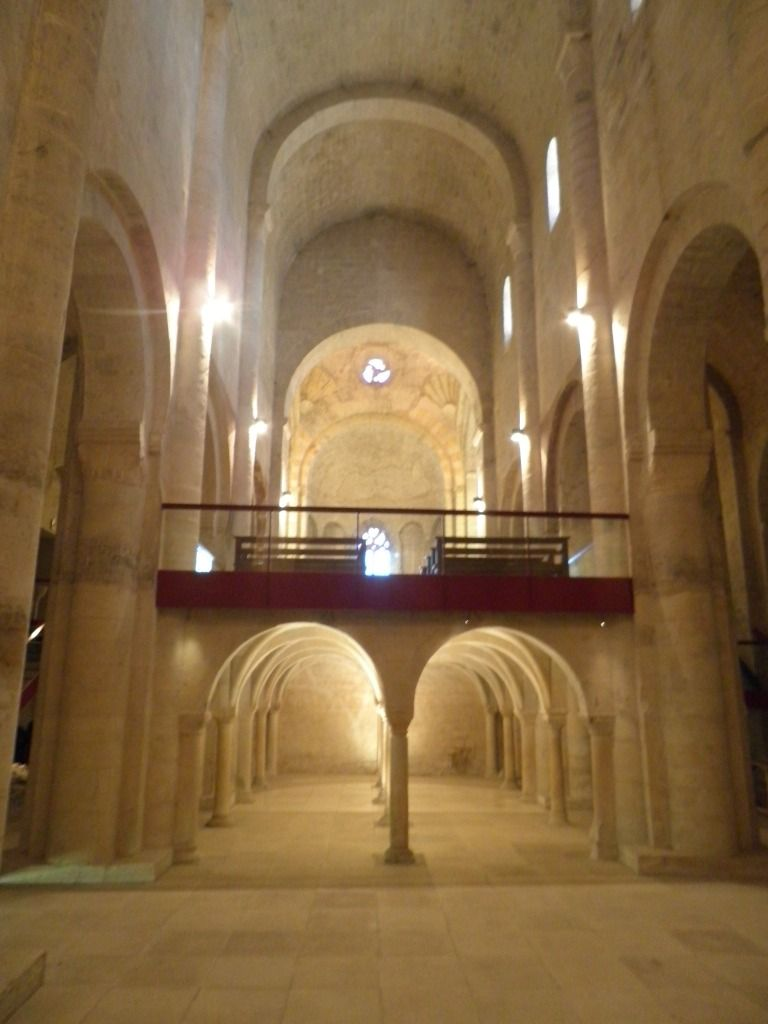 Cruas abbatiale int rieur album photos la france for Interieur france