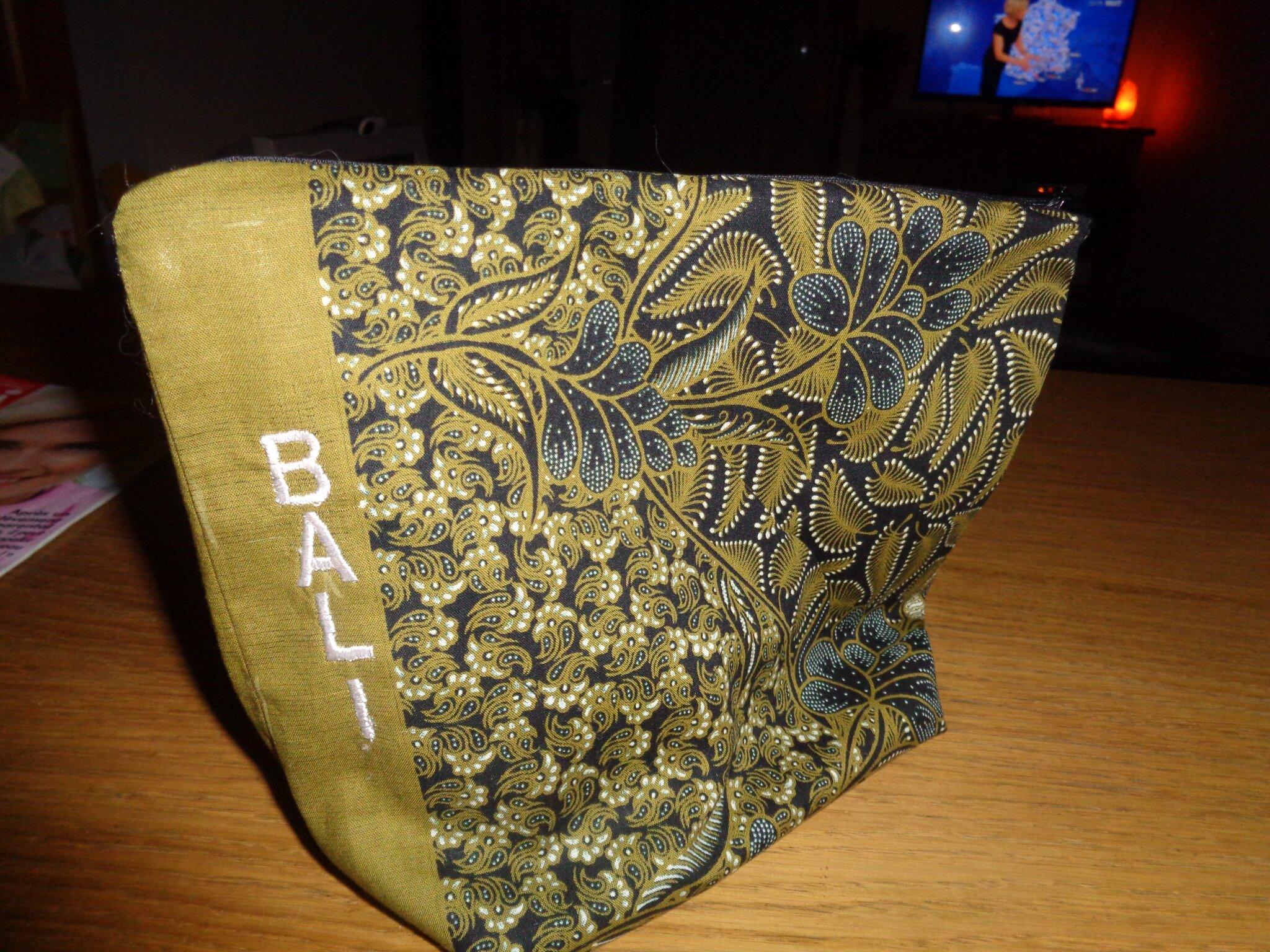 pochettes X2, tissu made in Bali
