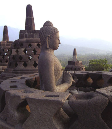 Borobudur_perfect_buddha