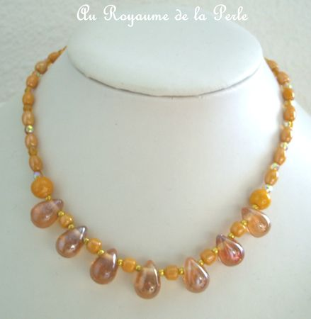Collier court marron 1