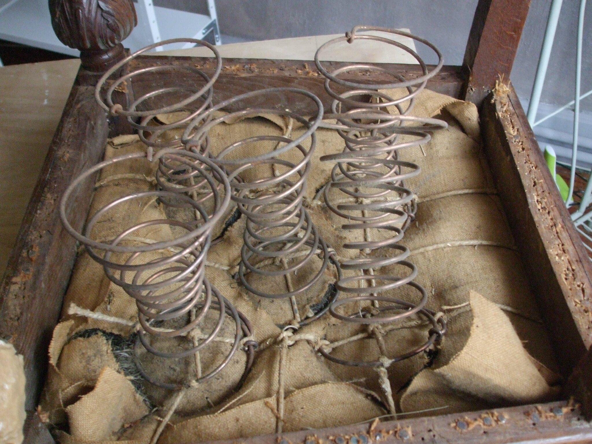 chaise ancienne epoque henri iii la mandragore et le pass revisit. Black Bedroom Furniture Sets. Home Design Ideas