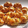 Mini croissants chorizo emmental