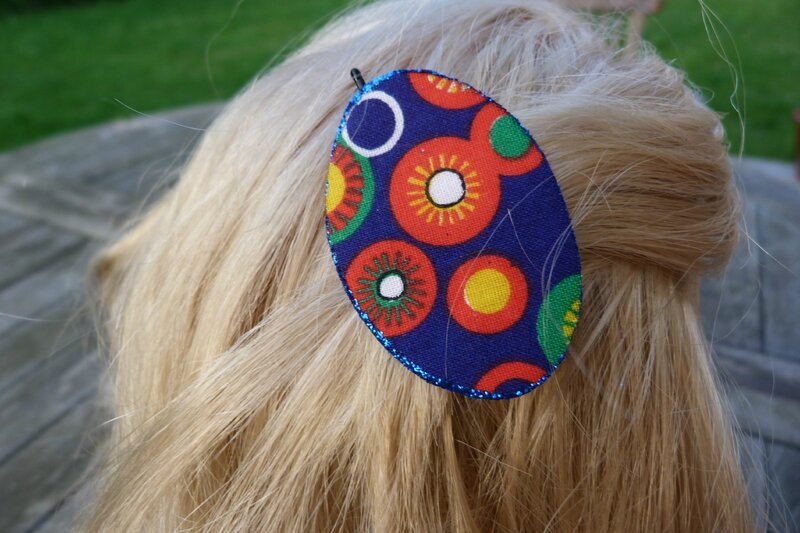 barrette pince bleu ronds oranges