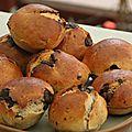 Petits pains aux noisettes et au chocolat de e.kayser