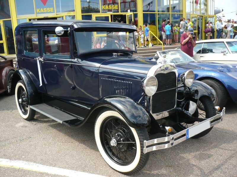 FORD Model A 4door Sedan Sinsheim (1)