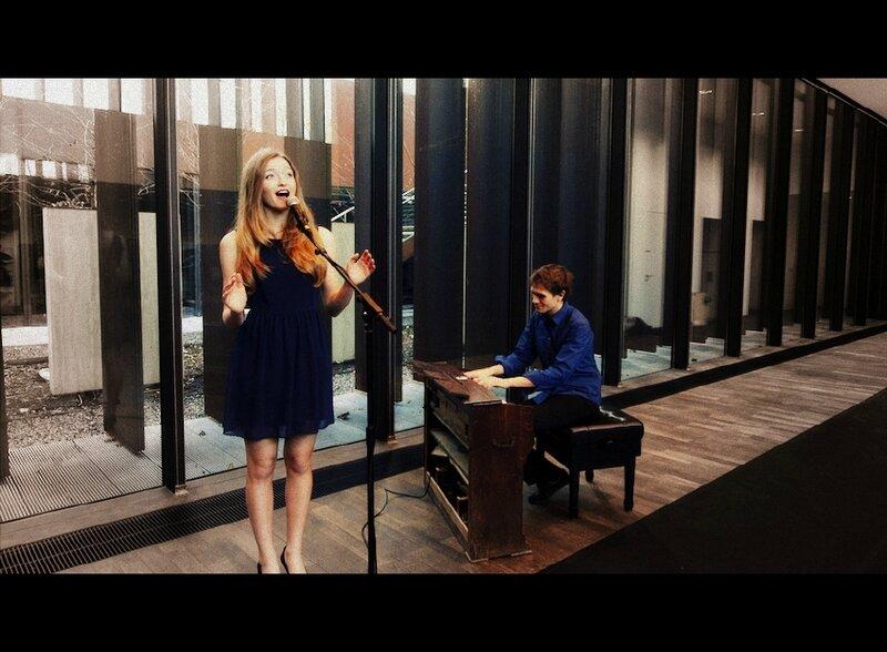 Duo chant & piano pour cérémonie de mariage, chant de messe, musique chrétienne • Lorient Vannes Larmor Plage Ploërmel BRETAGNE https://www.surya-evenementiel.com/