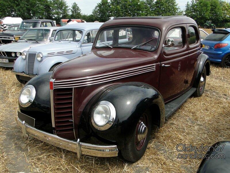 chenard-walcker-aigle-22-berline-1939-01