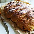 Tresse briochée chorizo-oignons frits