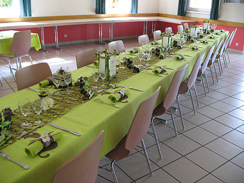 Table marron et vert j 39 ai dit oui - Photo de table ...