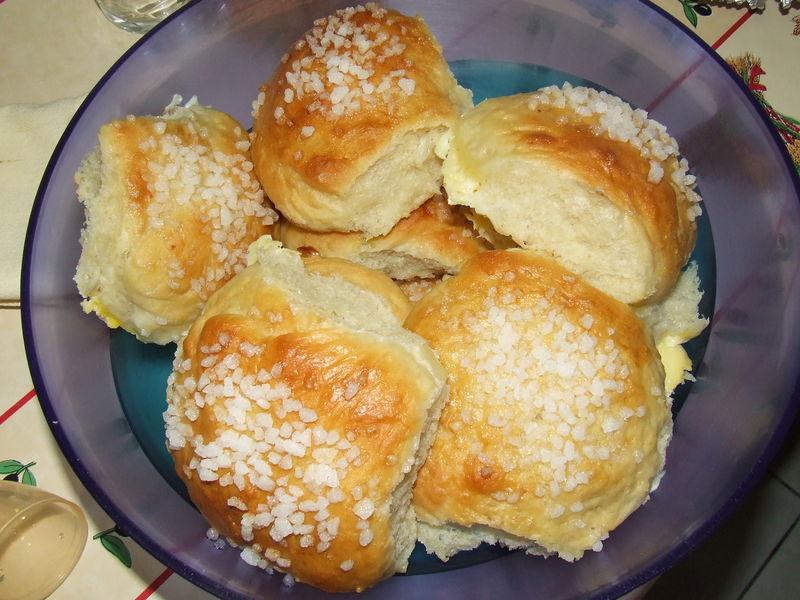 Petits pains au lait et au sucre perl les passions de - Recette de pain au lait ...