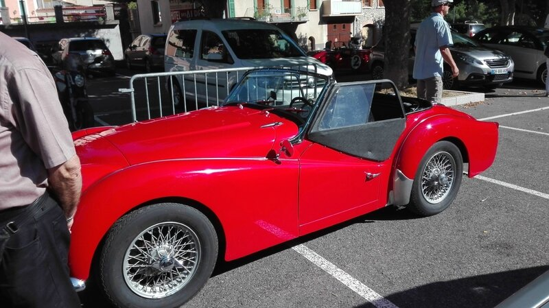 SERRES AUTO RETRO L ESTANCO 25 JUIN 2017 PHOTOS AMD A COUDRE (36)