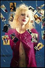 courtney_love-1993-03-29-by_kevin_cummins-1-4a