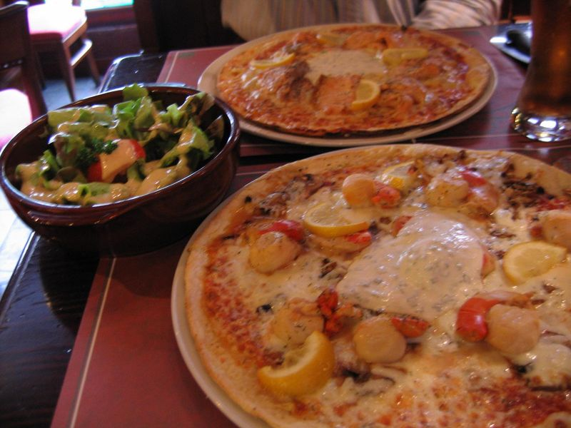 Excellentes pizzas à l'Irish Company, Tours, mai 2009.