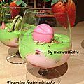 Tiramisu fraise-pistache aux macarons