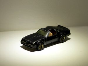 Pontiac firebird (Hot bird) de chez Hotwheels 01