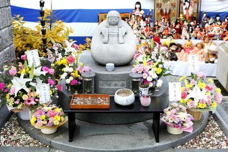 Statue votive fête des poupées d'après photo officielle Temple de Kobé 1000
