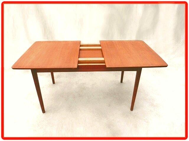 Table de repas suedoise nils jonsson 1960 vendu meubles for Table a manger suedoise