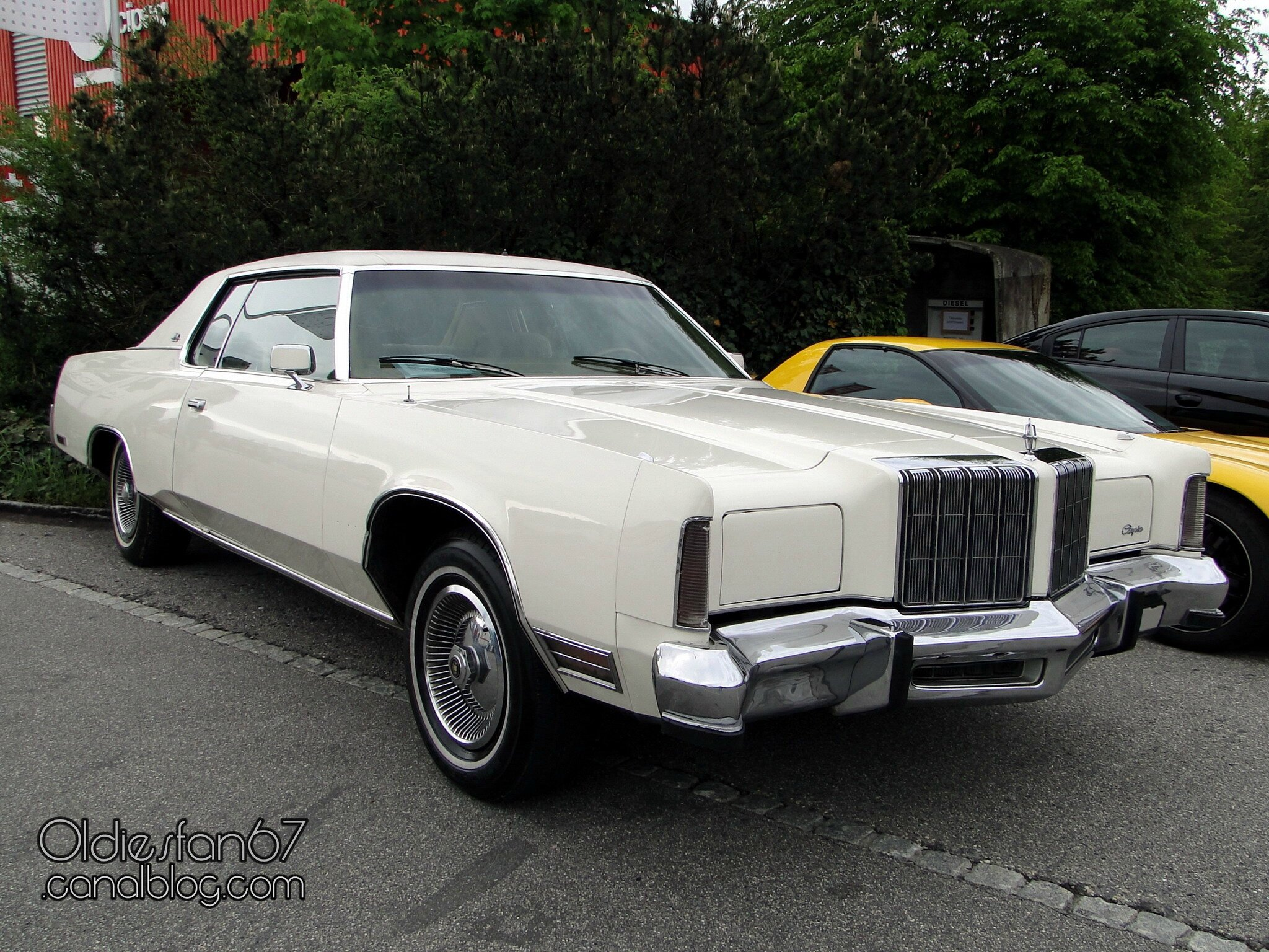 chrysler new yorker brougham hardtop coupe 1978 oldiesfan67 mon blog auto. Black Bedroom Furniture Sets. Home Design Ideas