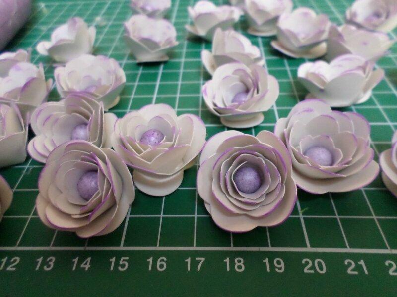 Tuto diy topiaire ou boule de fleur viviane bidouille - Coller du polystyrene ...