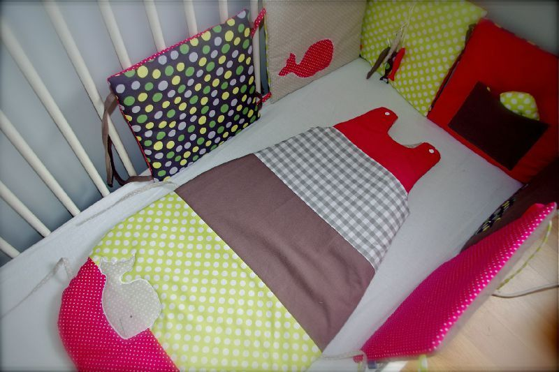 tour de lit et gigoteuse 6 24 mois vert anis et fuchsia sur commande little fish shop. Black Bedroom Furniture Sets. Home Design Ideas
