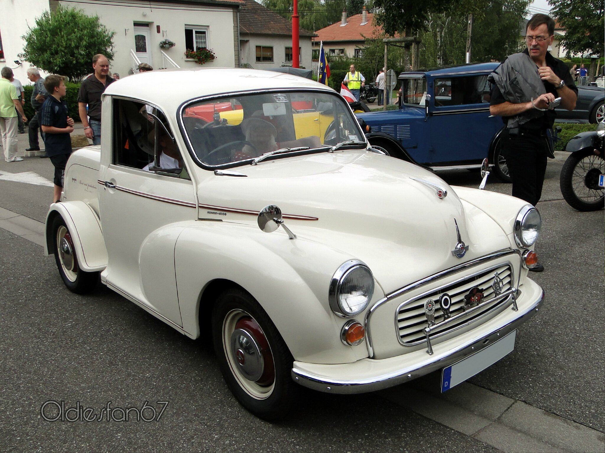 morris-cowley-minor-1000-doctors-coupe-1971-a